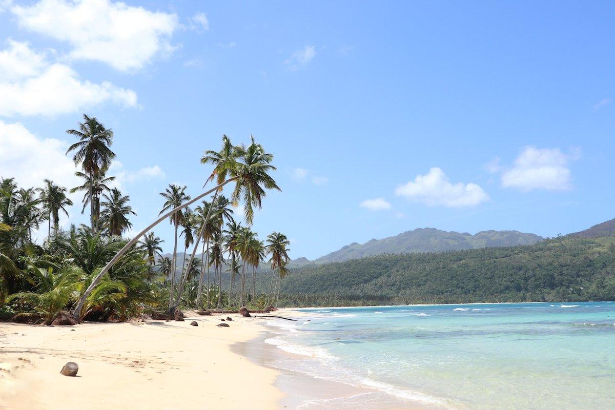 Karibik Urlaub mit Kleinkind am Traumstrand