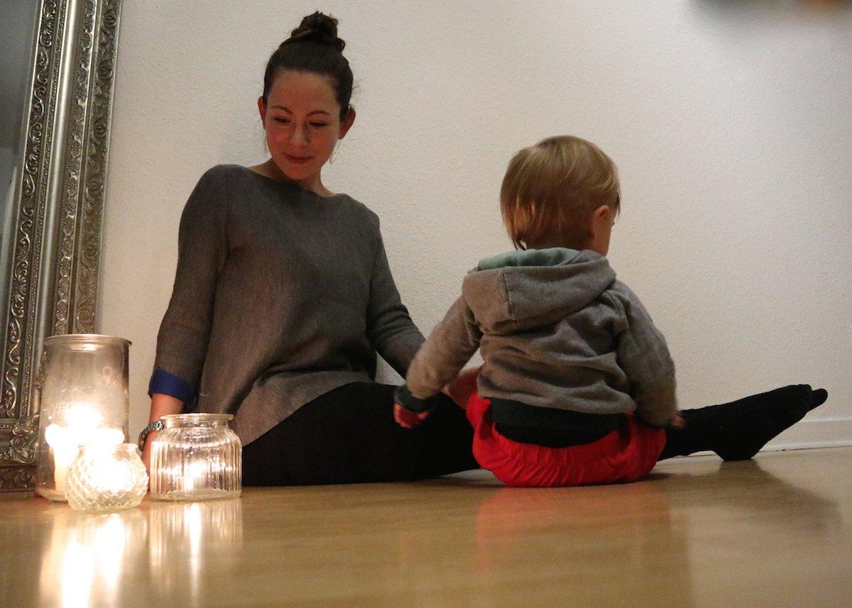 Yoga mit Baby zum Einschlafen