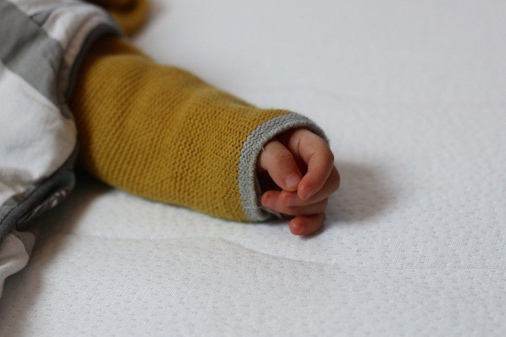 Babys erstes eigenes Bett