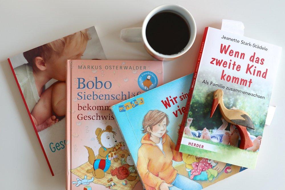 Kleinkind auf das Geschwisterchen vorbereiten Bilderbücher