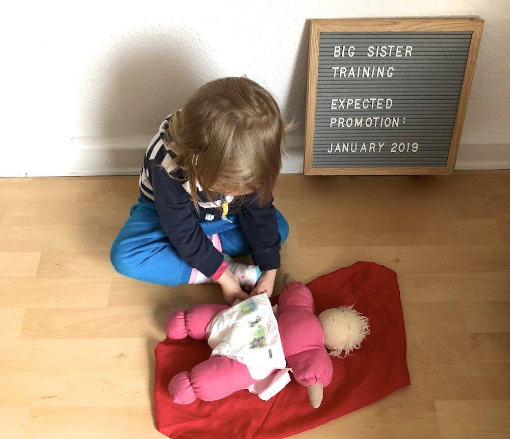 Kleinkind auf das Geschwisterchen vorbereiten neue Rituale