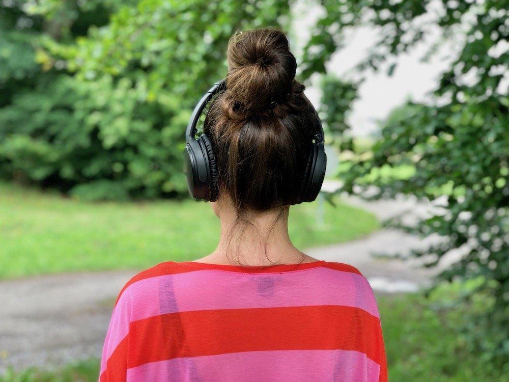 Durch die Ohren in den Kopf
