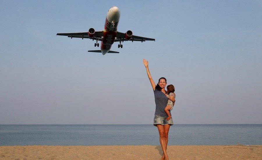 Thailand Rundreise mit Kindern Phuket Flughafen