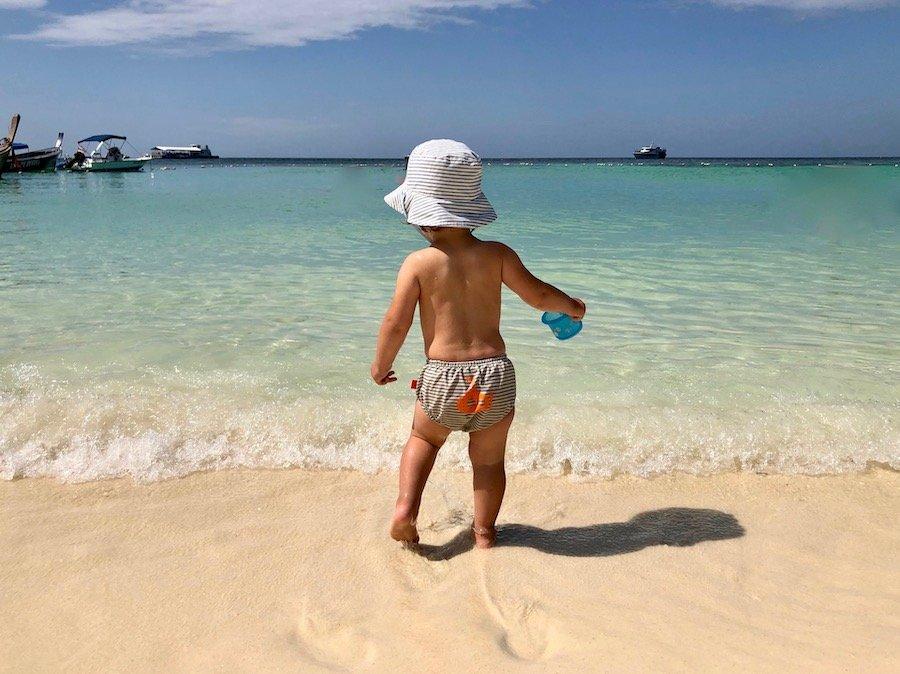 Entspannt reisen mit Kleinkind Tipp Schwimmwindel