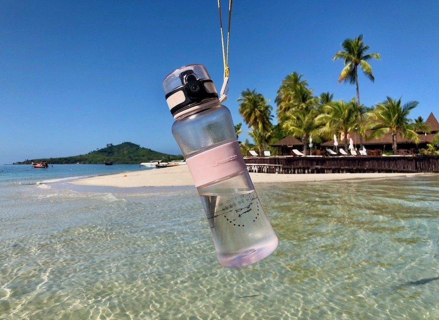 Entspannt reisen mit Kleinkind Tipp Trinkflasche für Kinder