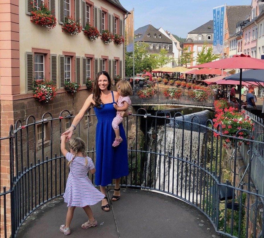 Saarburg Wasserfall mit Kindern