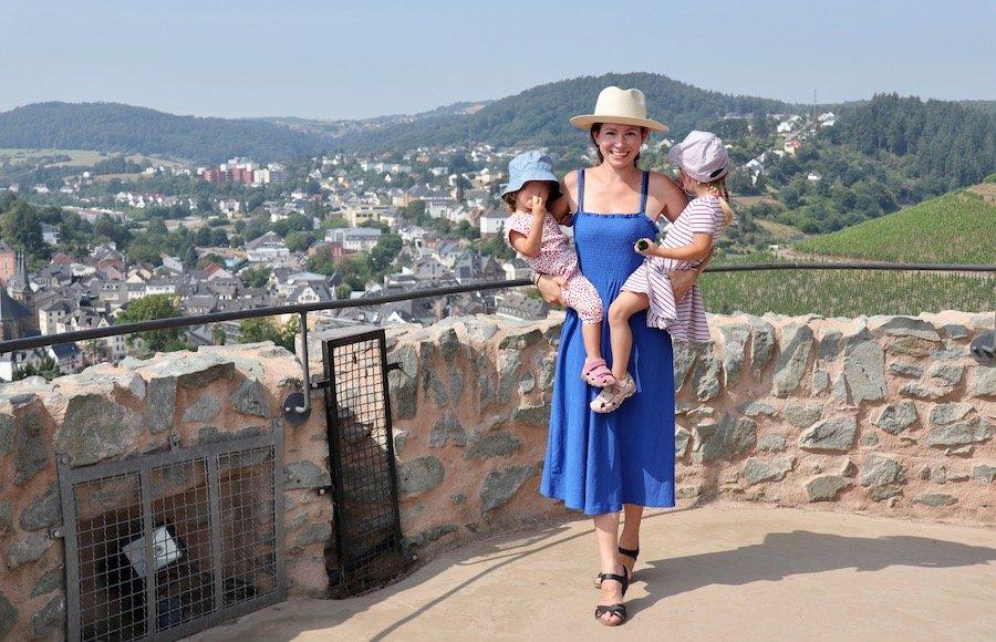 Saarburg mit Kindern Burg